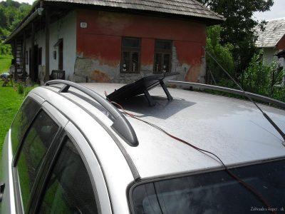 solární nabíjení autobaterie