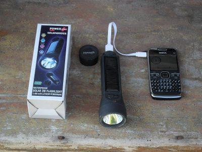 solární nabíječka mobilu